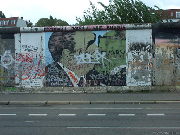 Sozialistische Bruderkuss auf der Berliner Mauer, Berlin 2007
