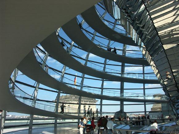 Begehbare Kuppel im Reichstagsgebäude, Berlin 2007