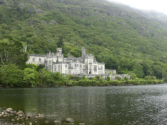Kylemore Abbey auf der Connemara Halbinsel, Ireland - Éire 2006