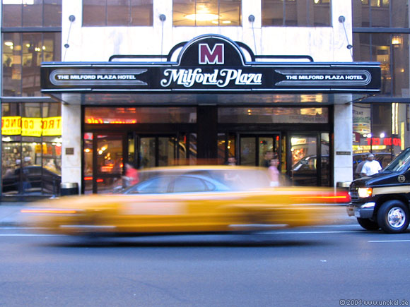 Hotel Milford Plaza nähe Times Square, New York 2004