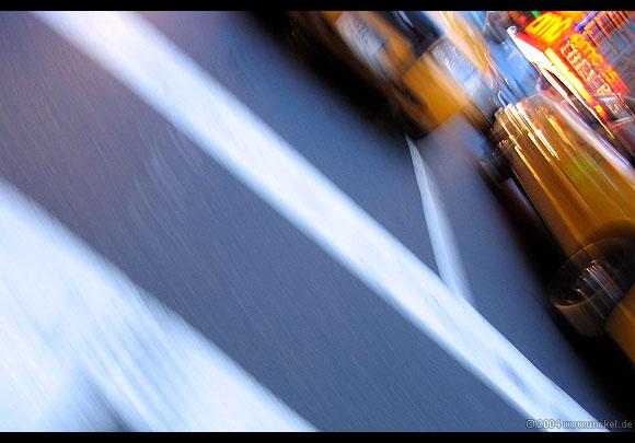 Man sagt, New Yorker Taxifahrer sprechen alle Sprachen außer Englisch…, New York 2004