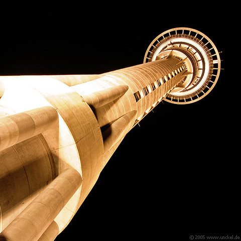 Skytower Auckland, New Zealand - Aotearoa 2004/05
