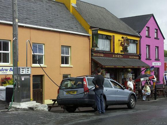Typische irische Tankstelle, Ireland - Éire 2006
