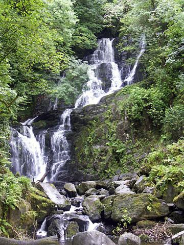 Wasserfall im Killarney Nationalpark, Ireland - Éire 2006