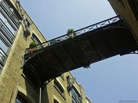 Gartenbalkon nähe Thamse, London 2006