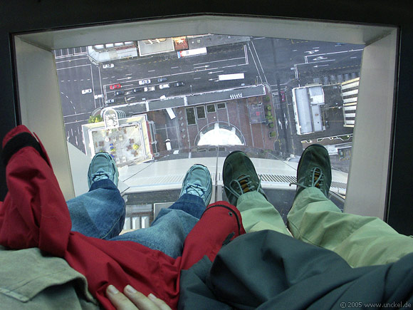 186 Meter in die Tiefe - Glasboden im Skytower Auckland, New Zealand - Aotearoa 2004/05